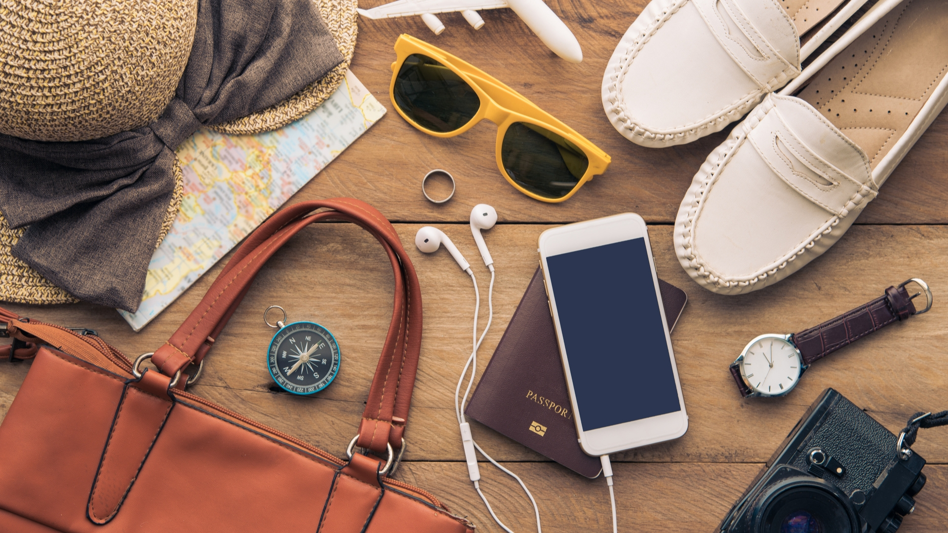 6 Travel Gadgets Everyone Should Have